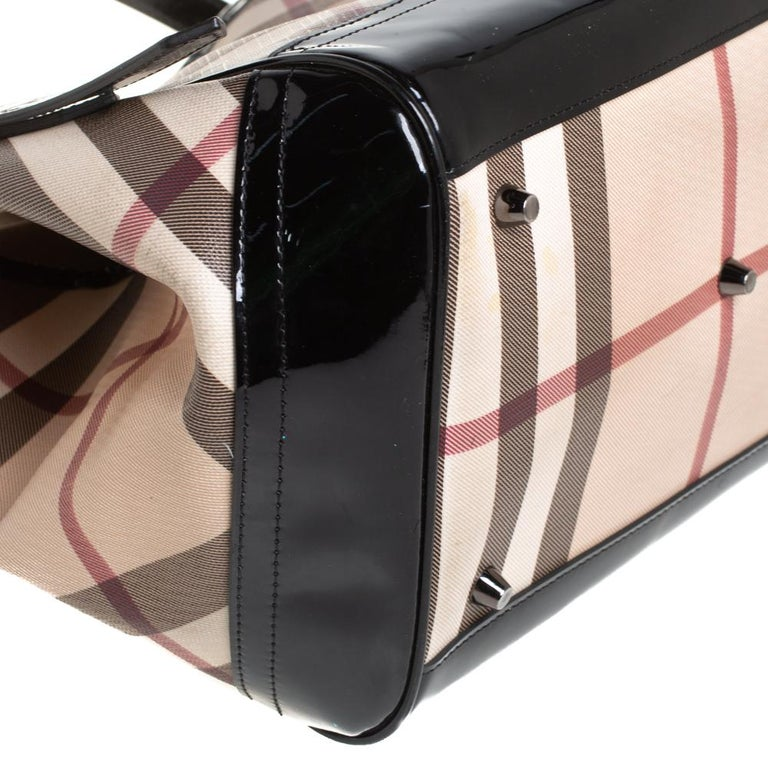 Burberry Beige/Black Nova Check PVC and Patent Leather Small Canterbury Tote For Sale 4