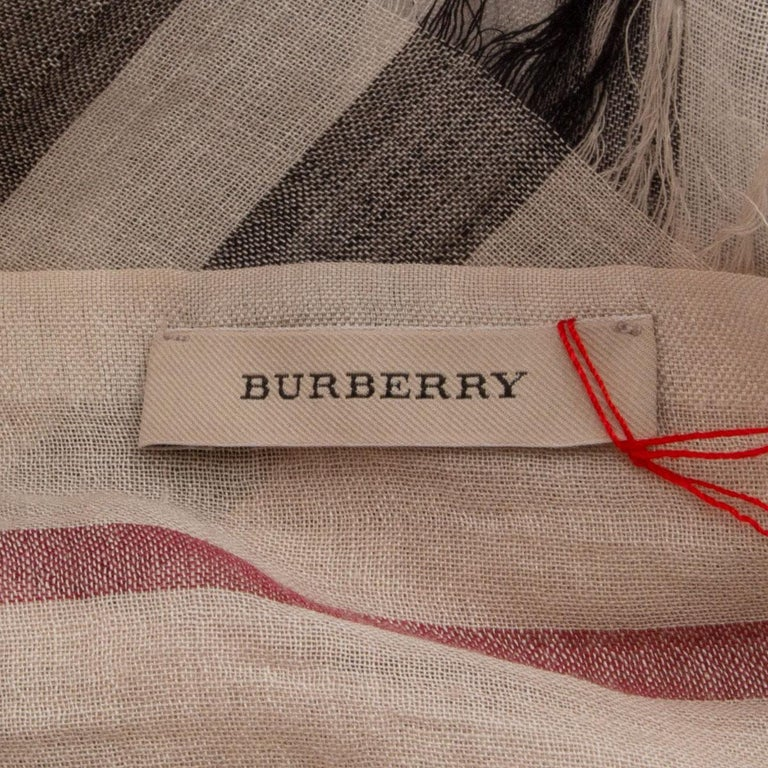 Women's or Men's BURBERRY beige wool & silk CHECK Scarf Shawl For Sale