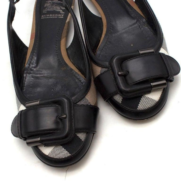 Burberry Black Leather Buckle Nova Check Slingback Flats 36.5 For Sale 2