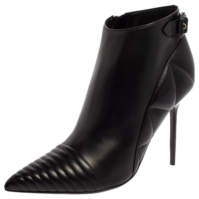 Burberry Black Leather Trench Alexandra Pointed Toe Ankle Booties Size 40 For Sale