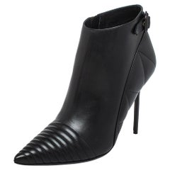 Burberry Black Leather Zipper Detail Ankle Boots Size 40