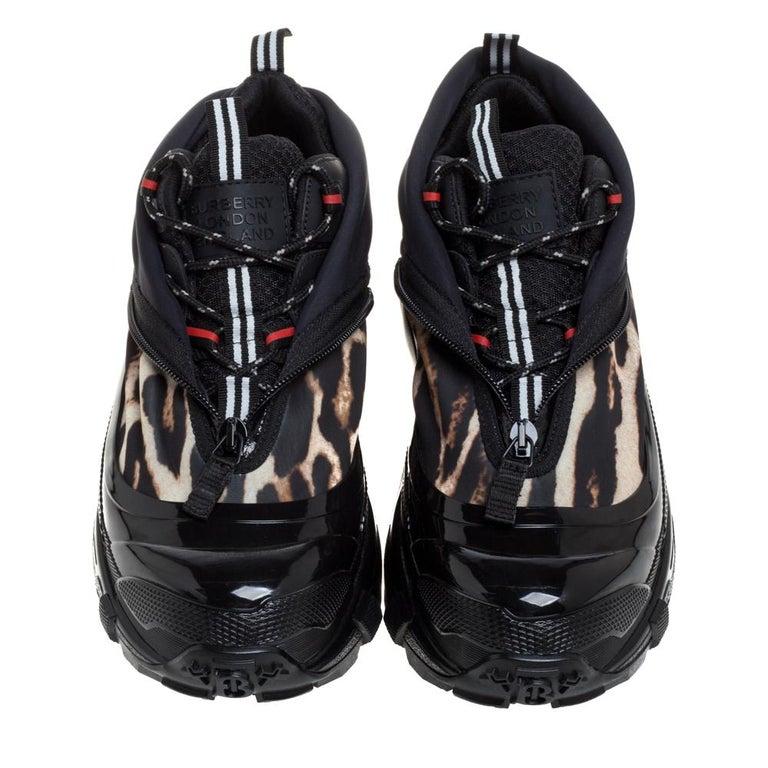 Burberry Black Mesh And Leopard Print Satin Arthur Low Top Sneakers Size 42 In New Condition In Dubai, Al Qouz 2