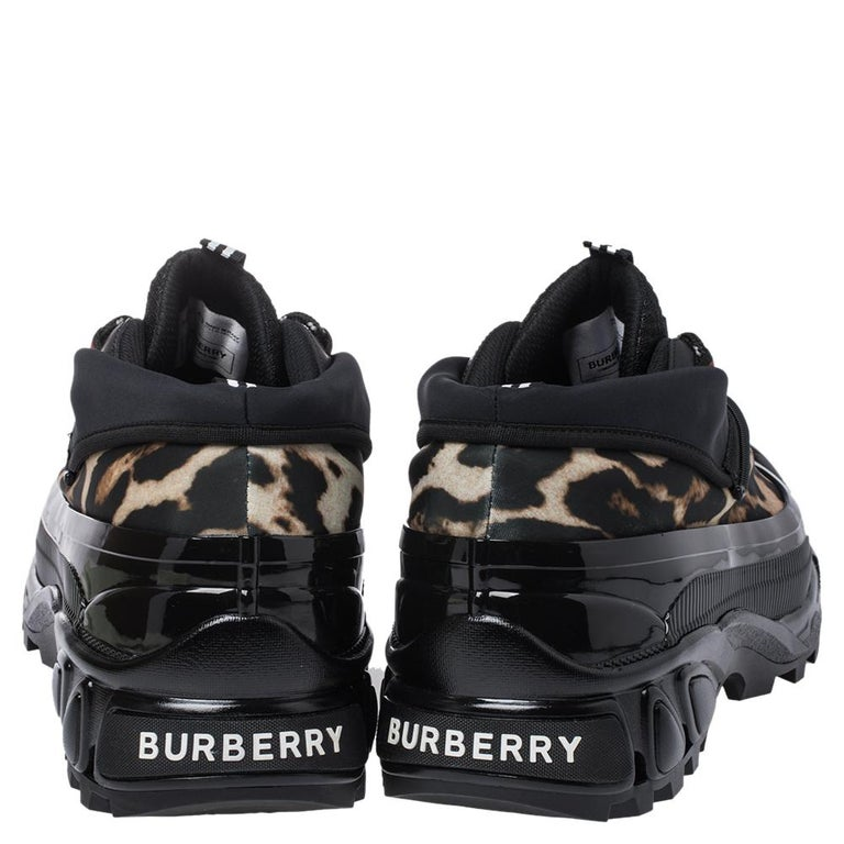 Burberry Black Mesh And Leopard Print Satin Arthur Low Top Sneakers Size 43.5 In New Condition For Sale In Dubai, Al Qouz 2