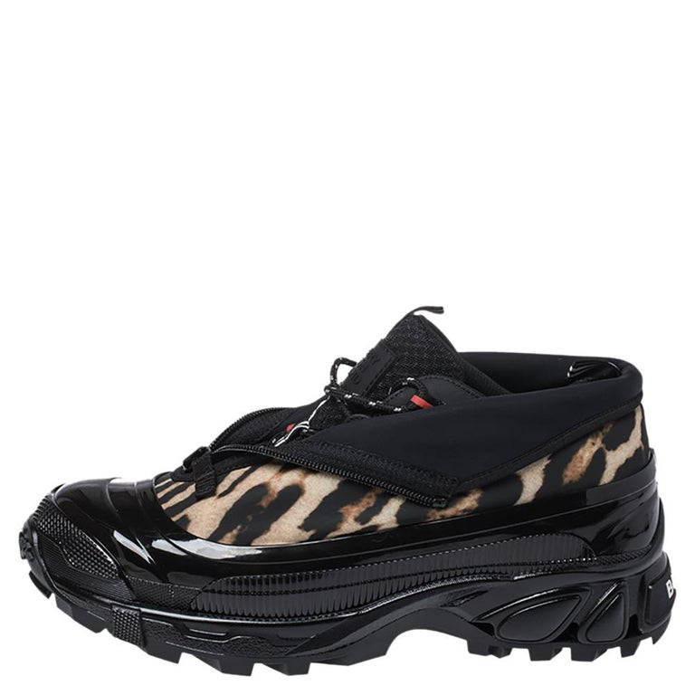 Burberry Black Mesh And Leopard Print Satin Arthur Low Top Sneakers Size 43.5 For Sale 1