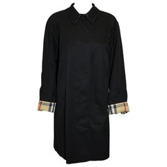 Burberry Black Raincoat with Up Cuff Single Breasted