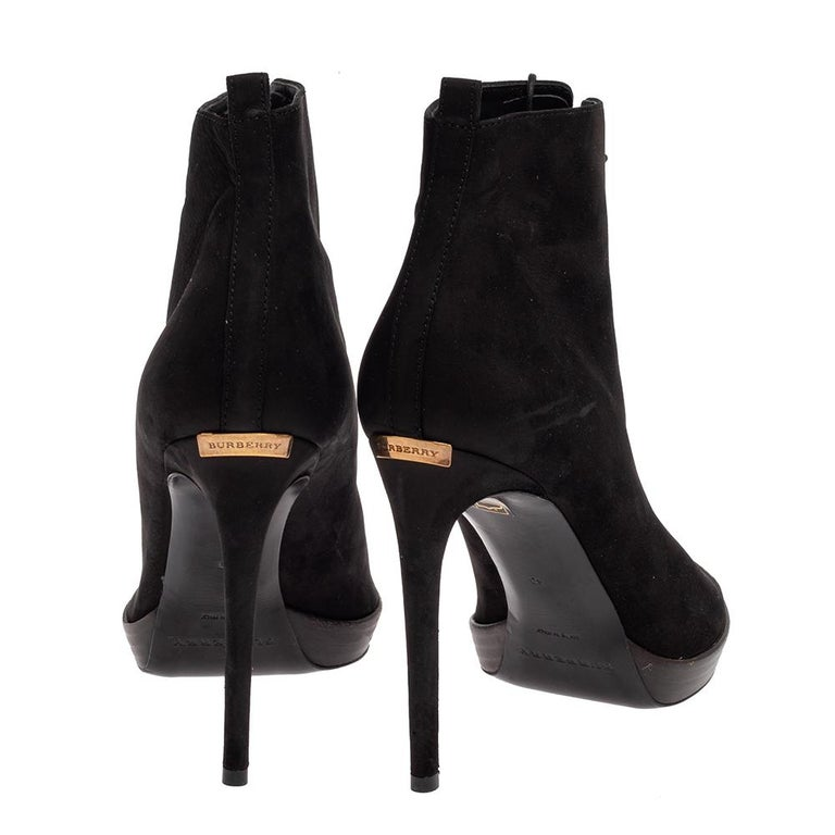 Women's Burberry Black Suede Lace Up Peep Toe Ankle Booties Size 40 For Sale