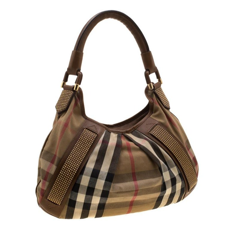 Burberry Brown Canvas and Leather Studded Nova Check Phoebe Hobo In Good Condition For Sale In Dubai, Al Qouz 2