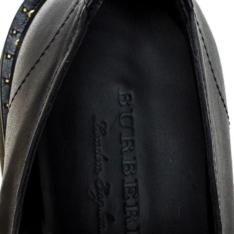Burberry Burgundy/Black Leather Kiltie Fringe Slip On Sneakers Size 40 For Sale 2