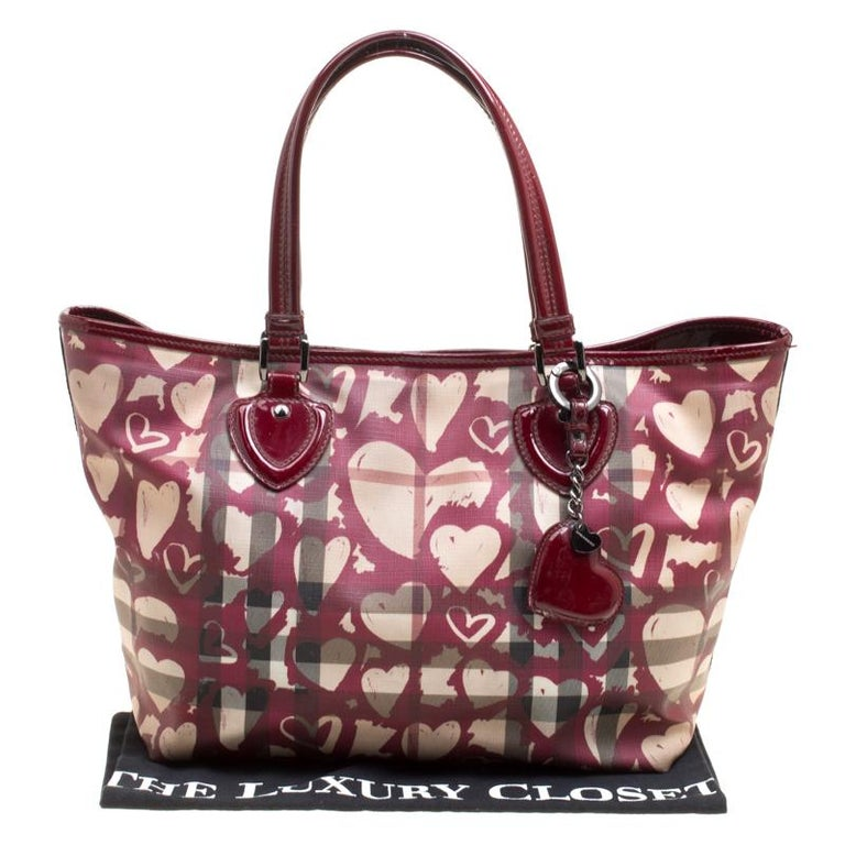 6d1912c5e993 Burberry Burgundy Supernova Heart Check Coated Canvas and Patent Leather  Large T For Sale 7