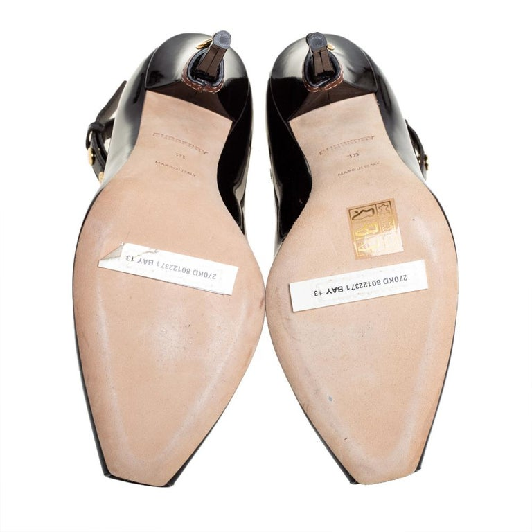Burberry Coffee Brown Patent Leather Jermyn Peep Toe Pumps Size 38 In New Condition For Sale In Dubai, Al Qouz 2