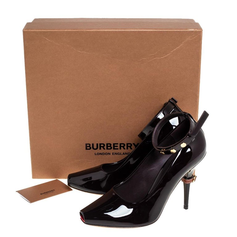 Burberry Coffee Brown Patent Leather Jermyn Peep Toe Pumps Size 38 For Sale 3