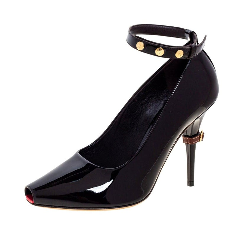 Burberry Coffee Brown Patent Leather Jermyn Peep Toe Pumps Size 38 For Sale