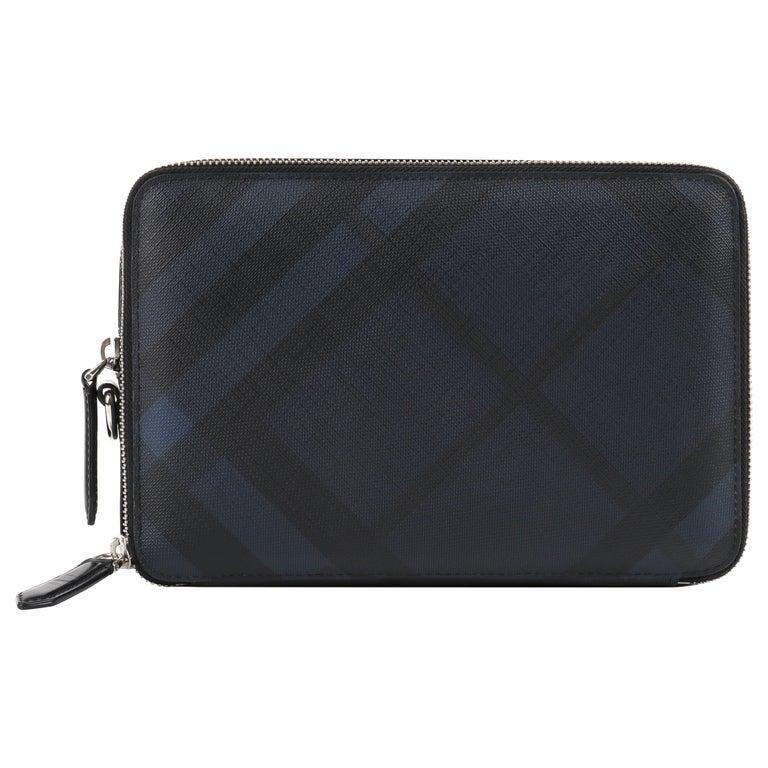 "BURBERRY ""Cormac"" Unisex Navy Black Check Double Zip Travel Wallet Case Clutch For Sale"