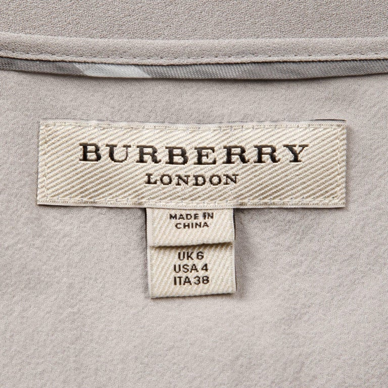 Burberry Gray Silk Tank Top In Excellent Condition For Sale In Sparks, NV