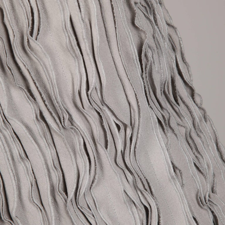 Women's Burberry Gray Silk Tank Top For Sale