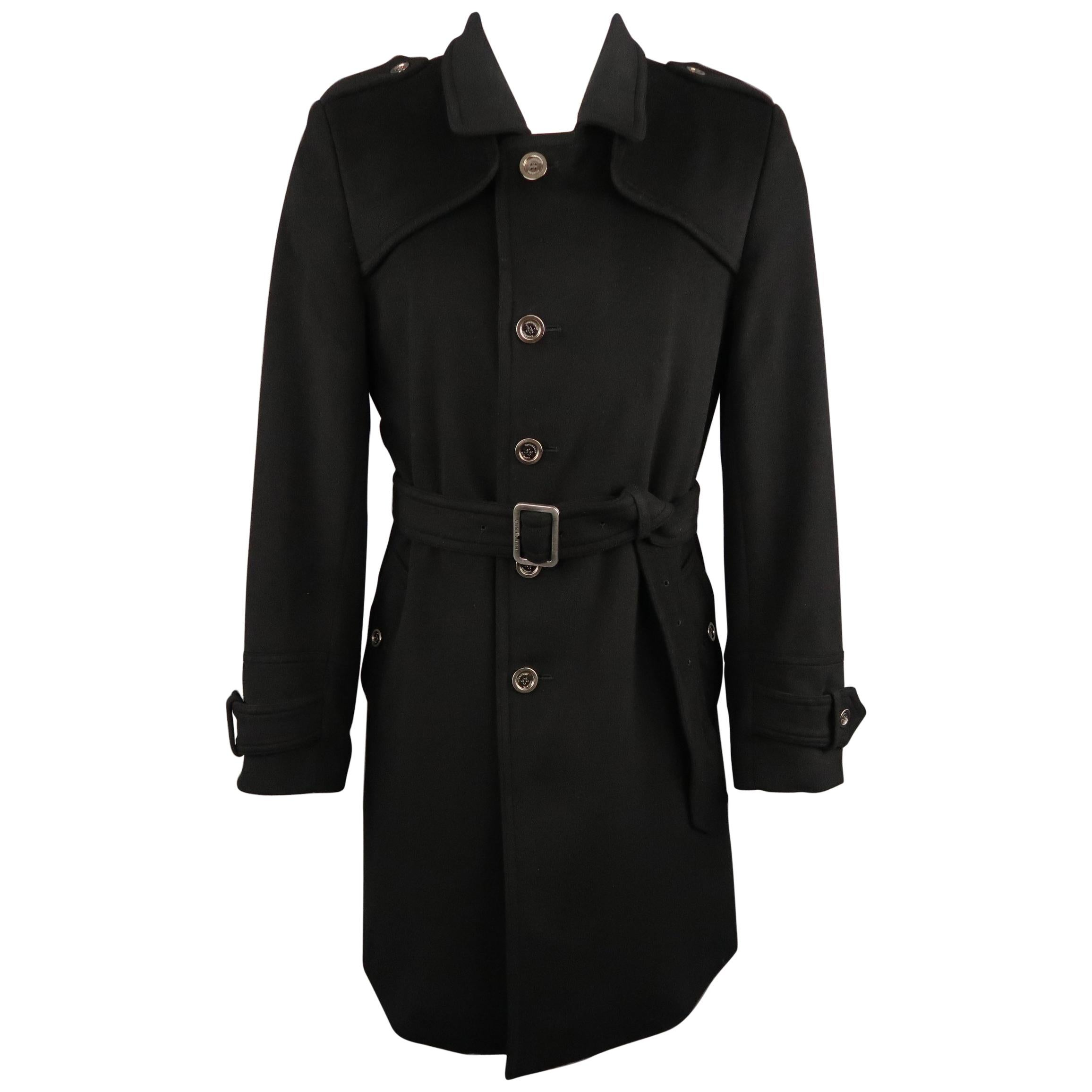 0072705ca419 Burberry Trench Coats - 31 For Sale on 1stdibs