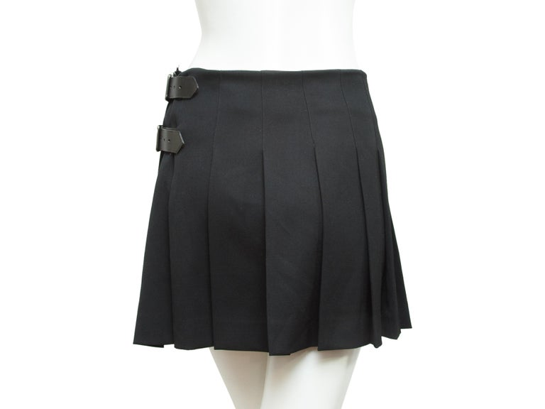 Burberry London Black Pleated Kilt Skirt In Good Condition For Sale In New York, NY