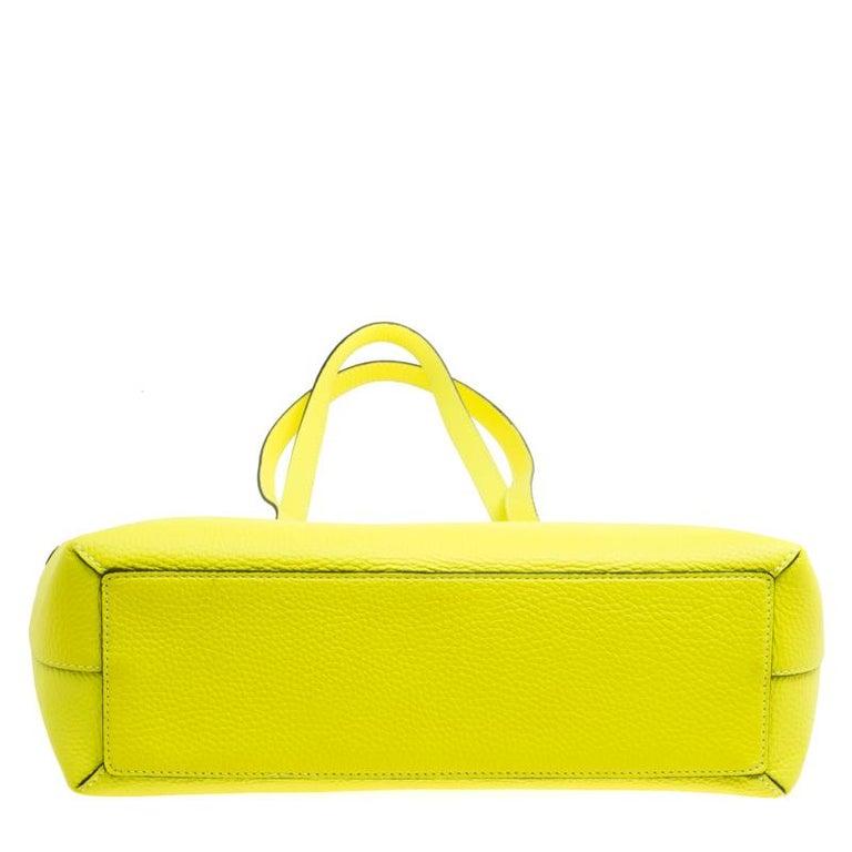 63f95eb4643e Burberry Neon Yellow Leather Remington Shopper Tote at 1stdibs