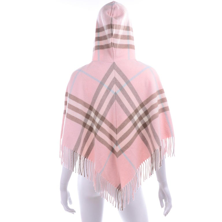 Burberry Pink Plaid Poncho in Cashmere & Wool with Hood For Sale 1