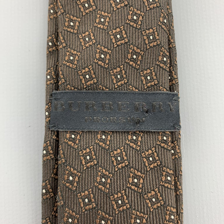 BURBERRY PRORSUM Brown Silk Squares Print Skinny Tie In Excellent Condition For Sale In San Francisco, CA