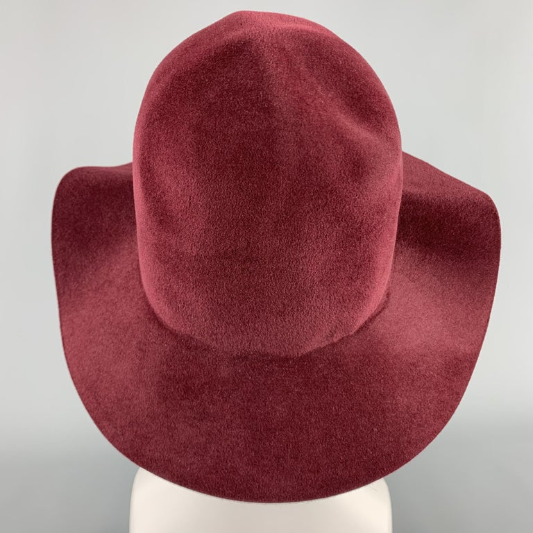 BURBERRY PRORSUM Spring 2015 Size M Burgundy Rabbit Hair Felt Fedora Hat In Excellent Condition For Sale In San Francisco, CA