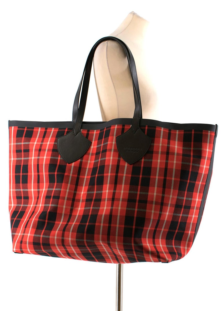 551ce2bec5e6 Brown Burberry The Giant Reversible Tote in Vintage Check- New Season For  Sale