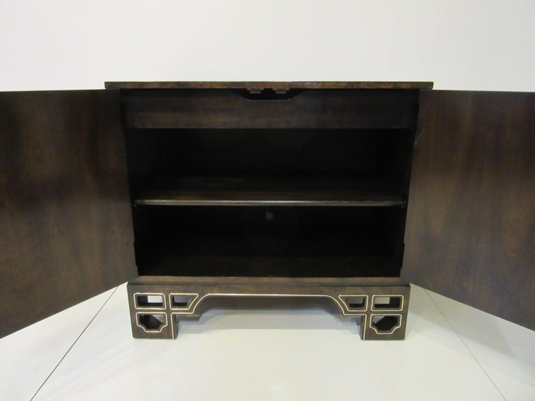 Burl Cabinet with Brass by Bernhard Rohne for Mastercraft In Good Condition For Sale In Cincinnati, OH