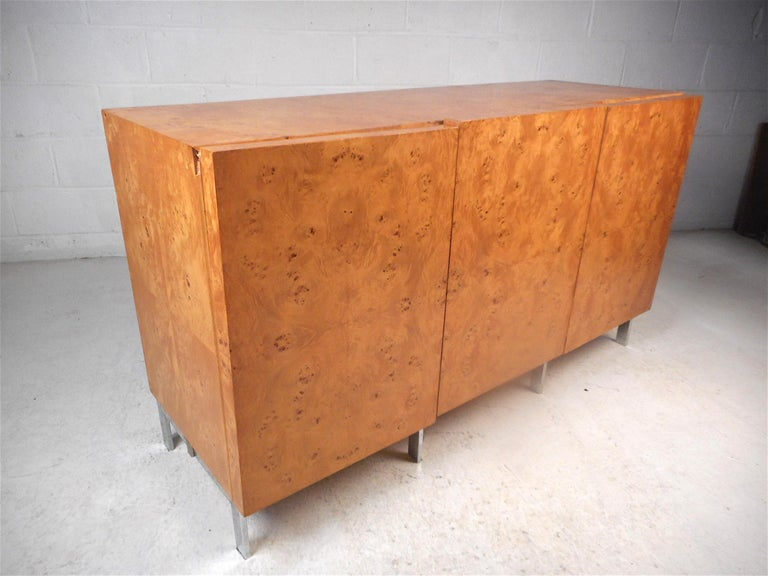 Burl Maple Credenza in the Style of Milo Baughman In Good Condition In Brooklyn, NY