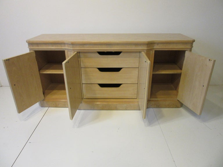Burl Wood Sideboard / Cabinet by Heritage from the Corinthian Collection In Good Condition For Sale In Cincinnati, OH