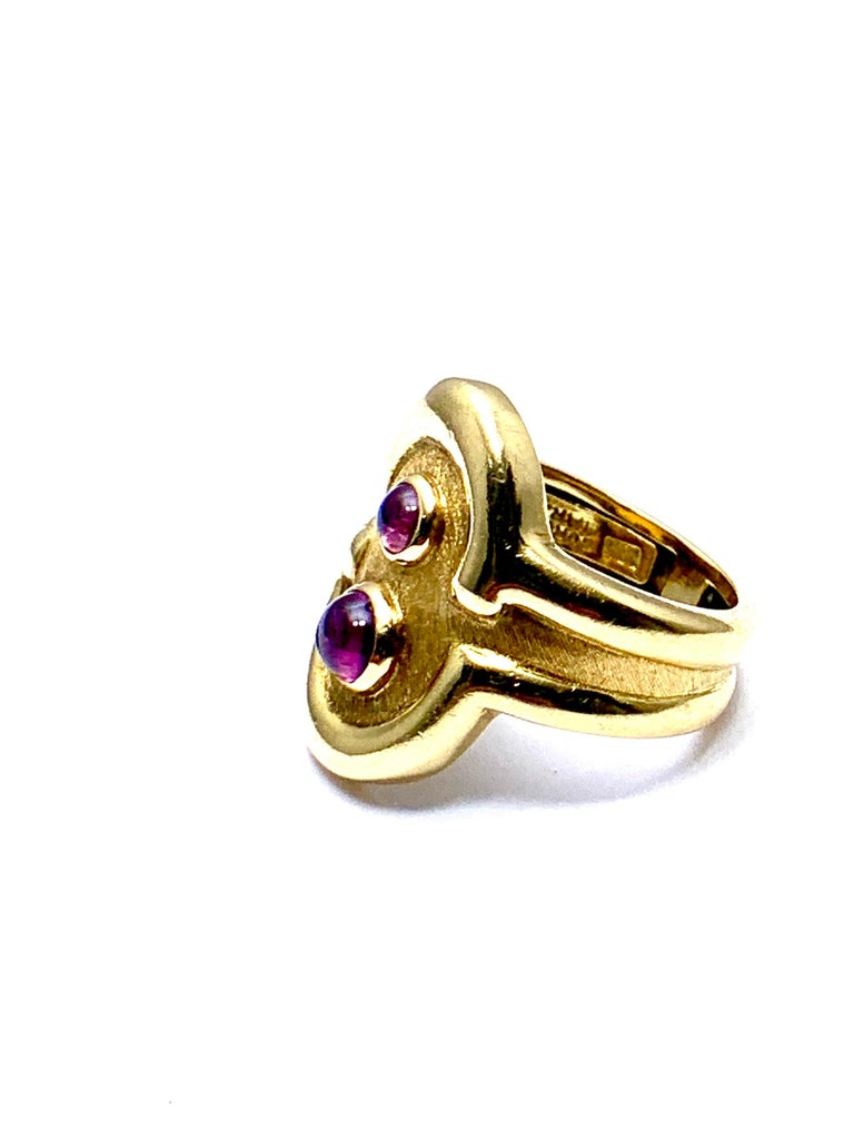 Women's or Men's Burle Marx 0.48 Carat Cabochon Pink Tourmaline and 18 Karat Yellow Gold Ring For Sale