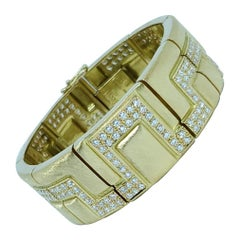 Burle Marx 18 Karat Gold Diamond Bracelet with 4.83 Carats of Diamonds