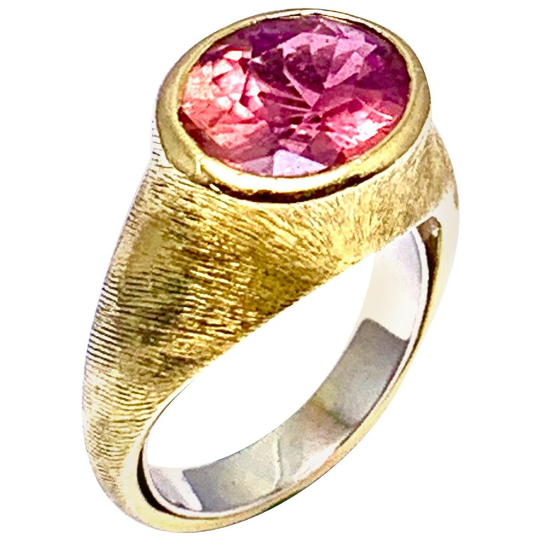 Burle Marx 3.57 Carat Faceted Oval Pink Tourmaline and 18 Karat Yellow Gold Ring For Sale