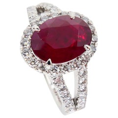 Burma Ruby 2.56 Carat and Diamond Cocktail Ring, 18 Karat White Gold