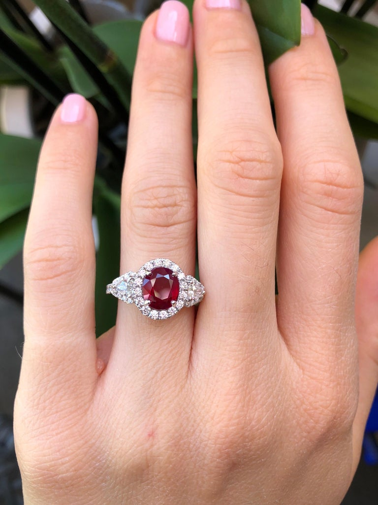 Burma Ruby Ring Oval 2.38 Carats  In New Condition For Sale In Beverly Hills, CA
