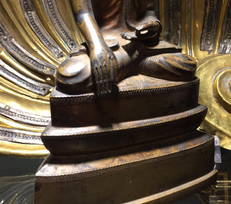 Burma Shan 18th Century Bronze Buddha Seated on a Three Tiers Base For Sale 9