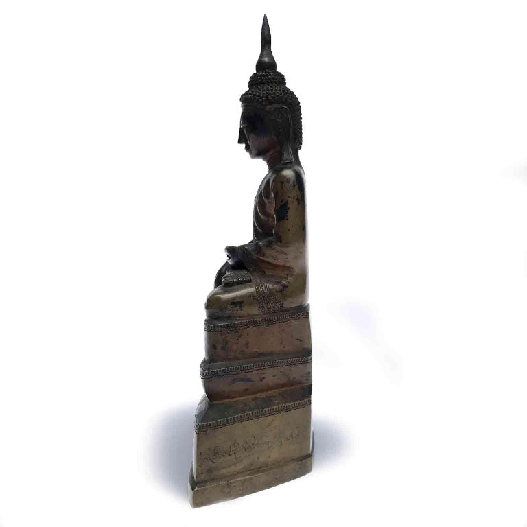 Burma Shan 18th Century Bronze Buddha Seated on a Three Tiers Base For Sale 11