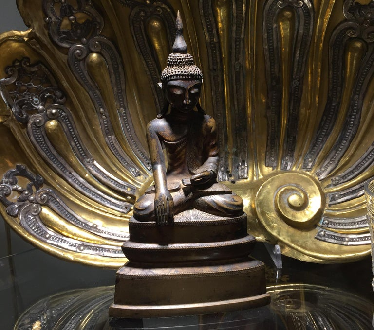 Burma Shan 18th Century Bronze Buddha Seated on a Three Tiers Base For Sale 13