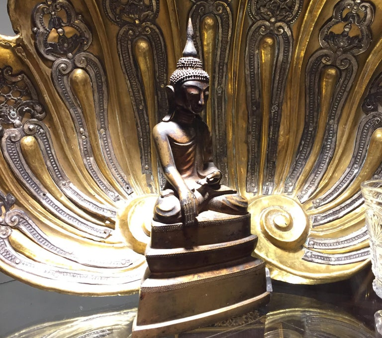 Burma Shan 18th Century Bronze Buddha Seated on a Three Tiers Base For Sale 14
