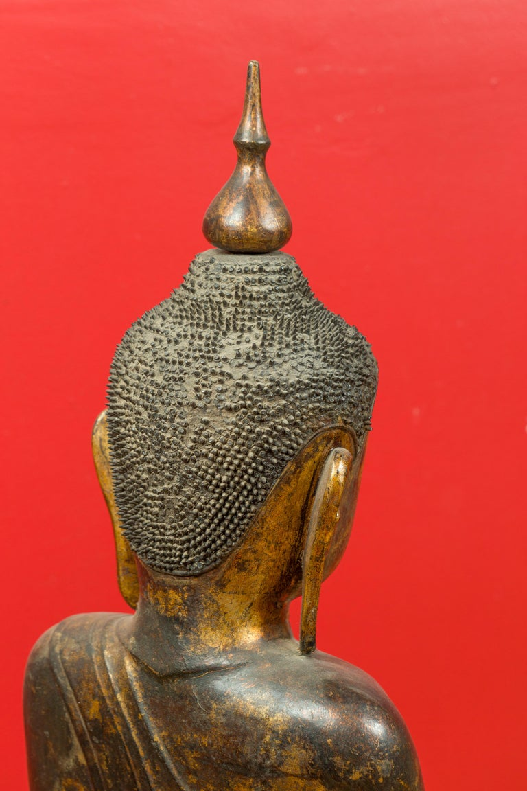 Burmese 17th Century Dry Lacquered and Gilt Buddha Calling the Earth to Witness For Sale 5