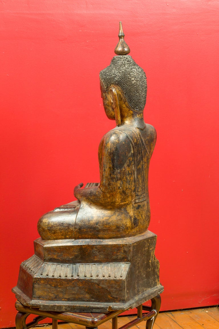 Burmese 17th Century Dry Lacquered and Gilt Buddha Calling the Earth to Witness For Sale 6