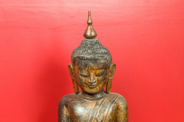 Burmese 17th Century Dry Lacquered and Gilt Buddha Calling the Earth to Witness In Good Condition For Sale In Yonkers, NY