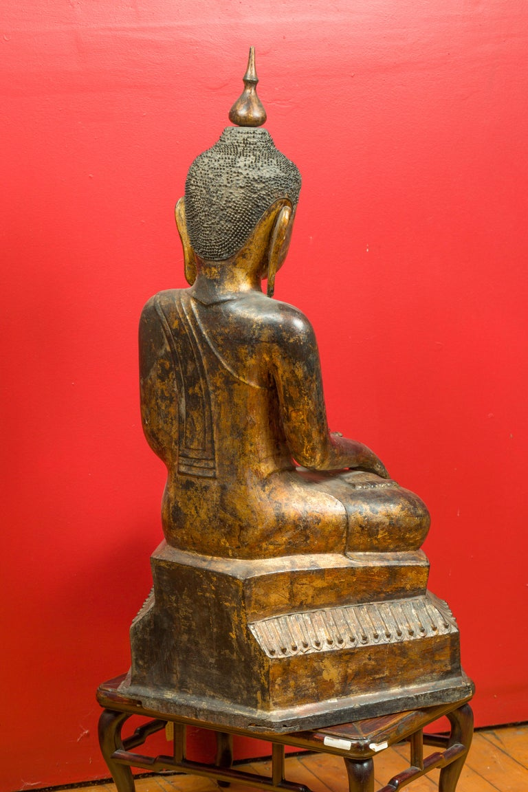 Burmese 17th Century Dry Lacquered and Gilt Buddha Calling the Earth to Witness For Sale 4