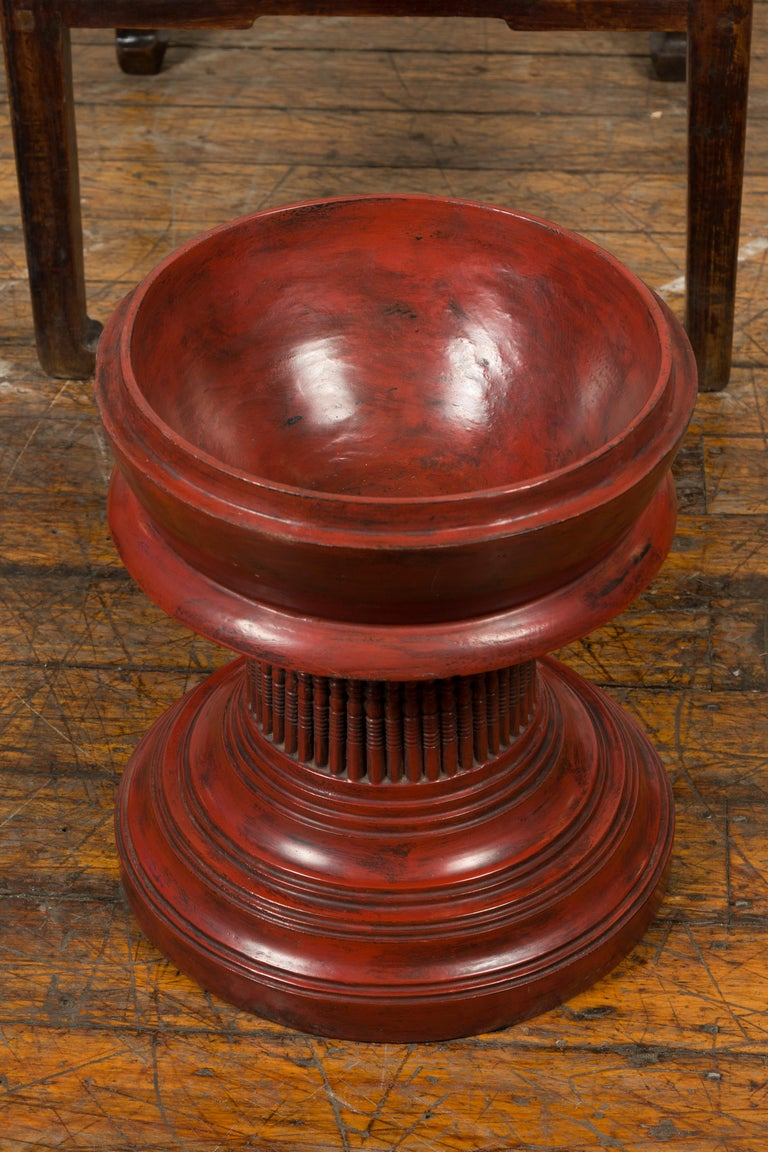 Burmese 19th Century Cinnabar Palembang Lacquer Lidded Temple Offering Bowl For Sale 6