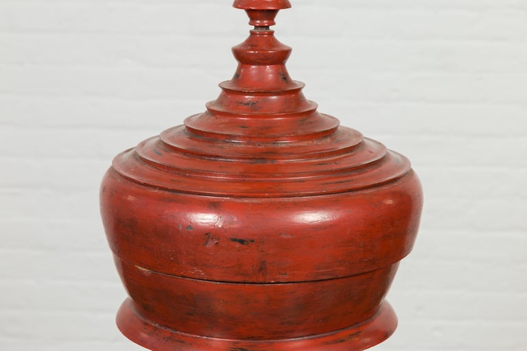 Burmese 19th Century Cinnabar Palembang Lacquer Lidded Temple Offering Bowl For Sale 1