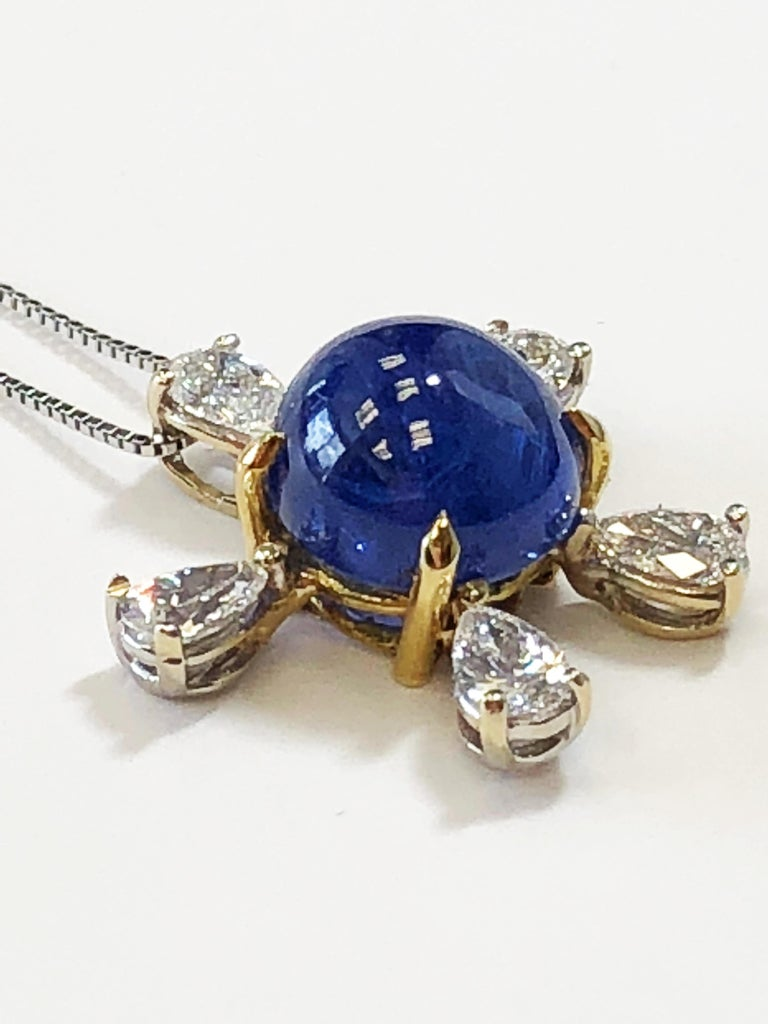 Burmese Blue Sapphire and White Diamond Pendant Necklace in 18 Karat Gold In New Condition For Sale In Los Angeles, CA