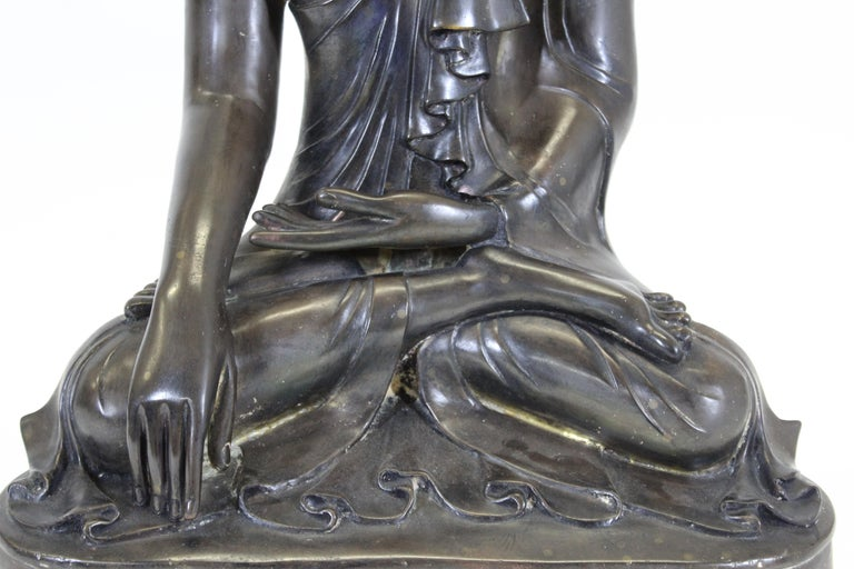Burmese Bronze Buddha Sculpture In Good Condition For Sale In New York, NY