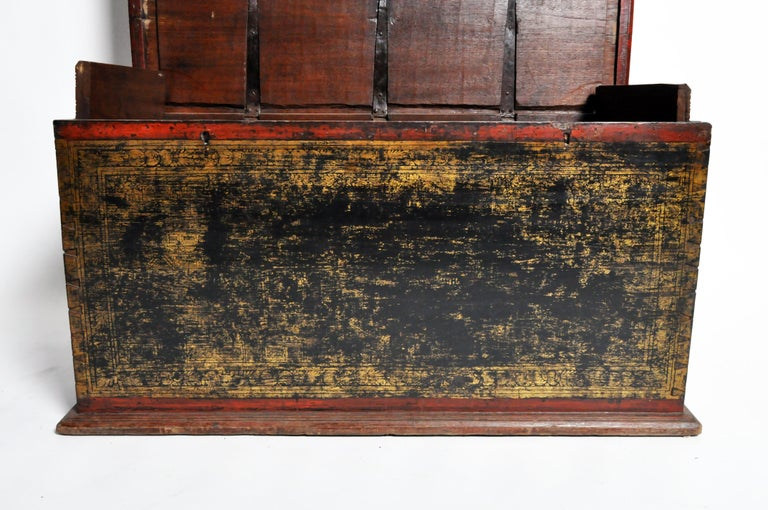 Burmese Manuscript Chest with Red Cinnabar Lacquer and Gold Leaf For Sale 13