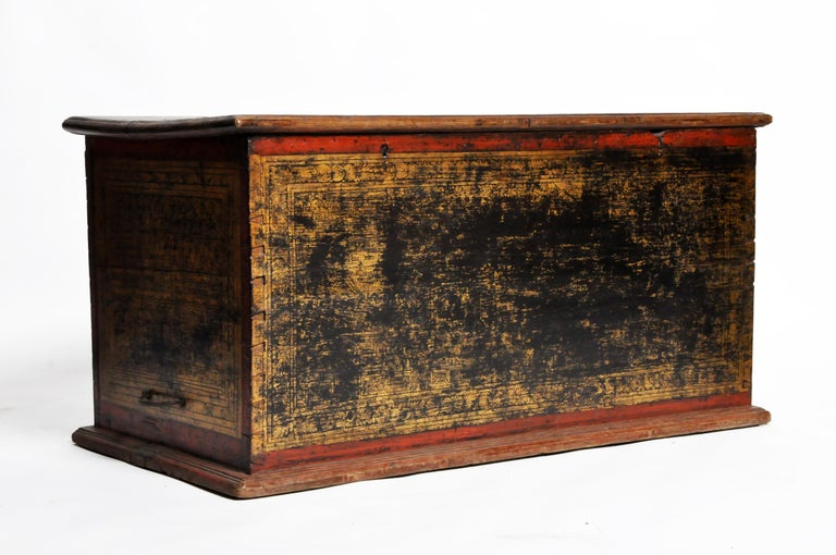 Burmese Manuscript Chest with Red Cinnabar Lacquer and Gold Leaf In Distressed Condition For Sale In Chicago, IL