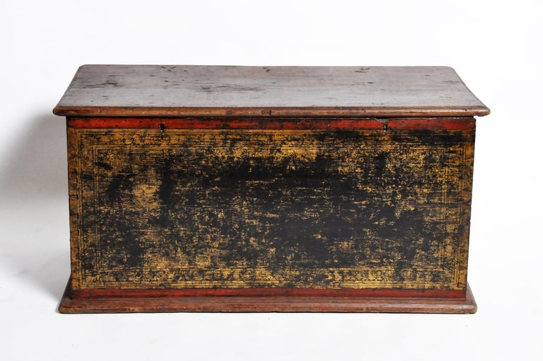 Burmese Manuscript Chest with Red Cinnabar Lacquer and Gold Leaf For Sale 1