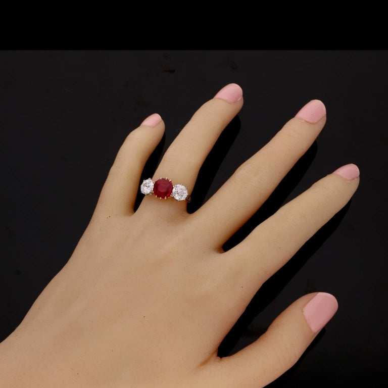 Women's Burmese Ruby and Old Cut Diamond Three-Stone Ring in Yellow Gold, circa 1950s For Sale